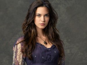 03_01_Odette_Annable