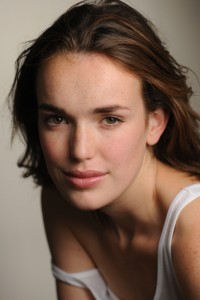 600full-elizabeth-henstridge